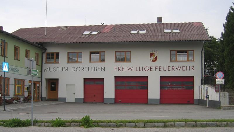 https://www.feuerwehr-gross-schoenau.info/wp-content/gallery/ff-haus/aussen.JPG